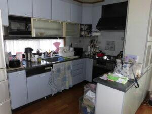 古いL型キッチン