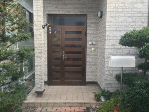玄関ドア リフォーム前